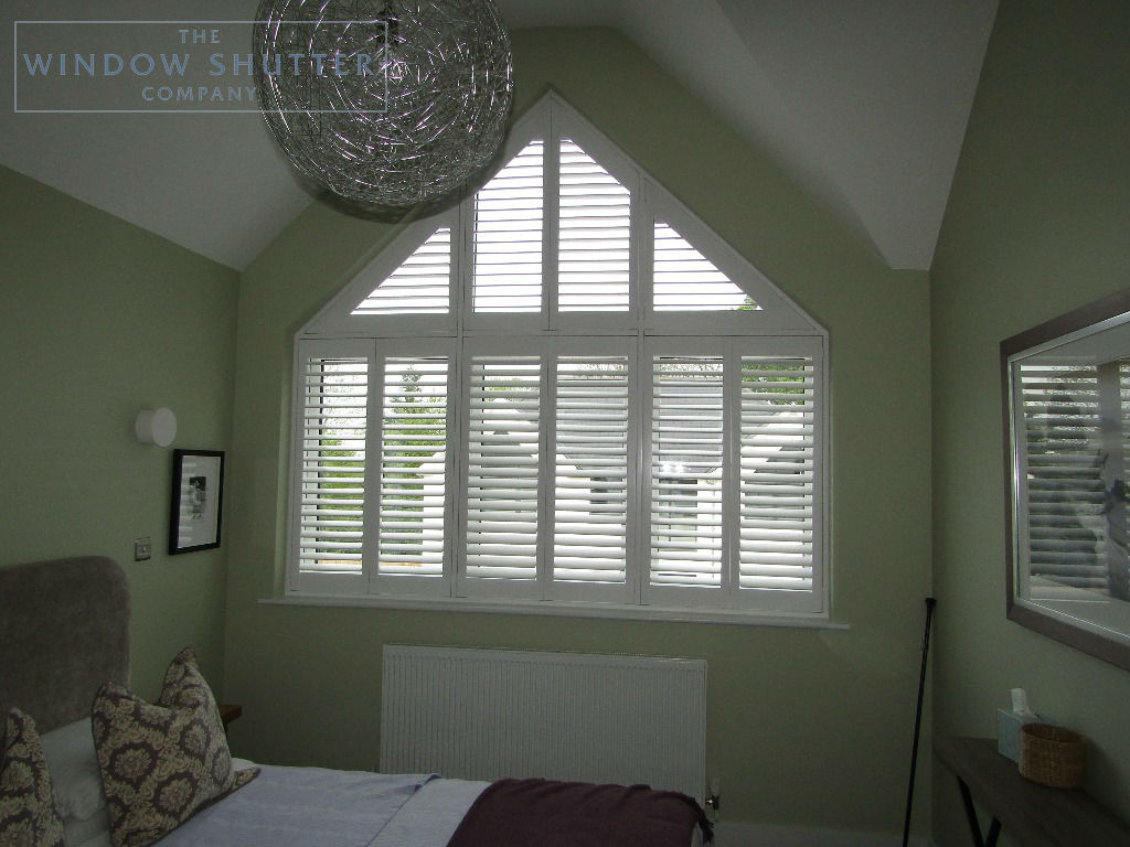 Shaped shutters Boston Premium bedroom 1 new build Bracknell Berkshire 0619 after
