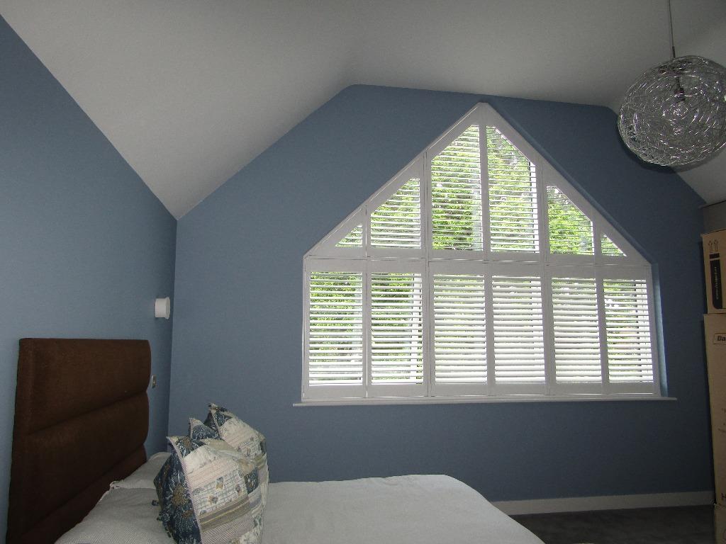 Shaped shutters Boston Premium bedroom new build Bracknell Berkshire 0619