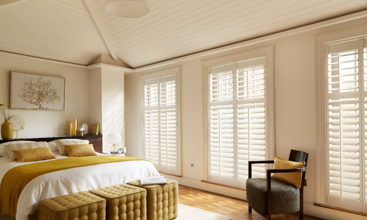Seattle silk white shutters