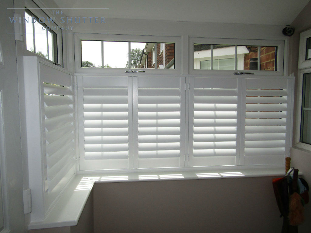 Cafe shutter Seattle Pure White 76mm hidden tilt box bay window porch modern house Uckfield 2 0317