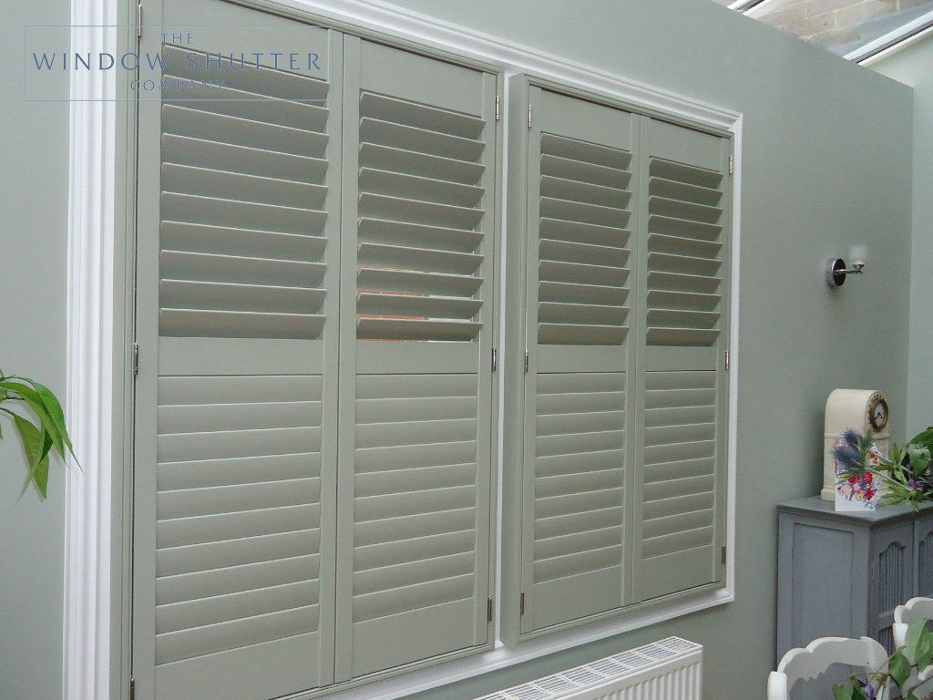 Full height blue grey shutter Georgia easy-tilt kitchen modern house Reigate Surrey 2 0114