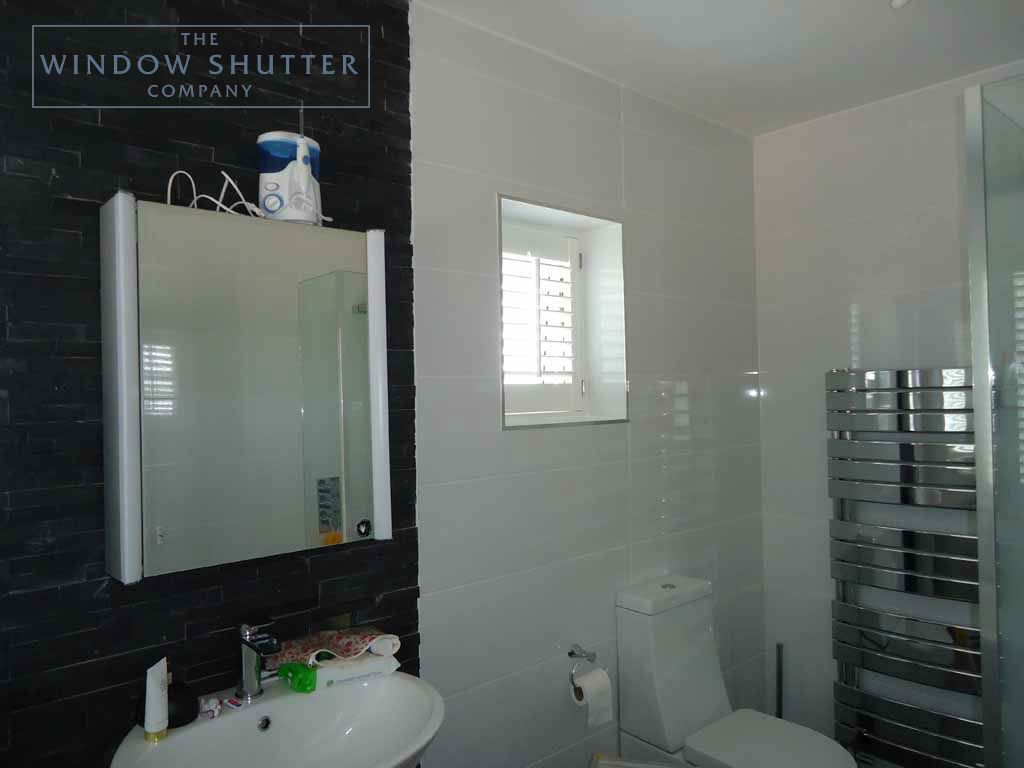 Full Height shutter Hollywood tilt rod bathroom large house Fareham Hampshire 1 0610