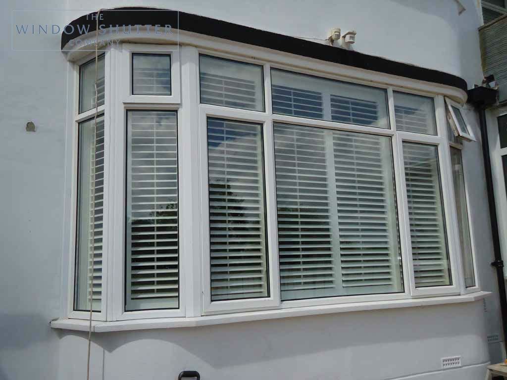 Full Height shutter Seattle tilt rod bay window lounge large house Fareham Hampshire 1 0610