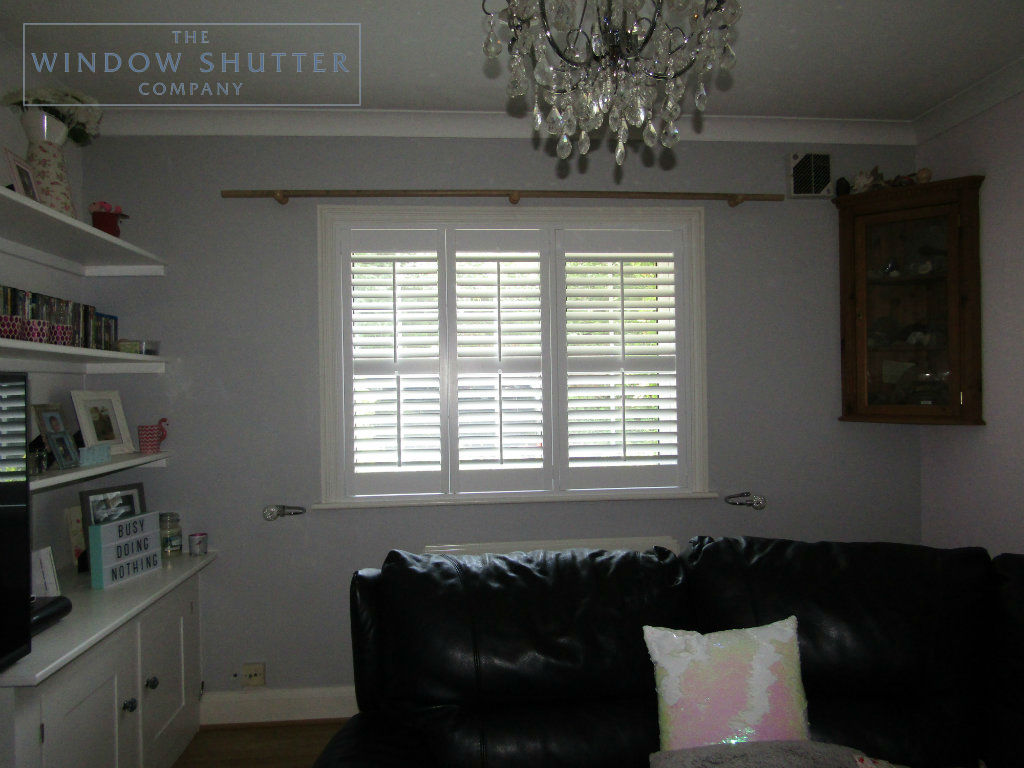 Full height shutter Seattle tilt rod lounge window modern house East Grinstead Sussex 1 0517